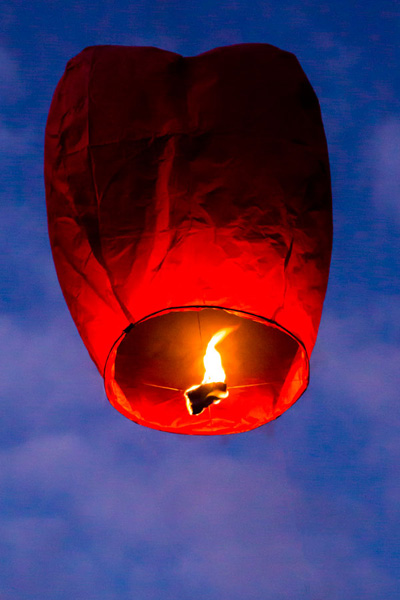 Beware of the dangers of Chinese lanterns